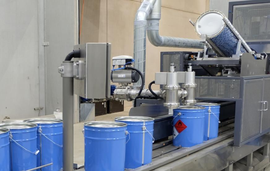 Filling machines for liquids
